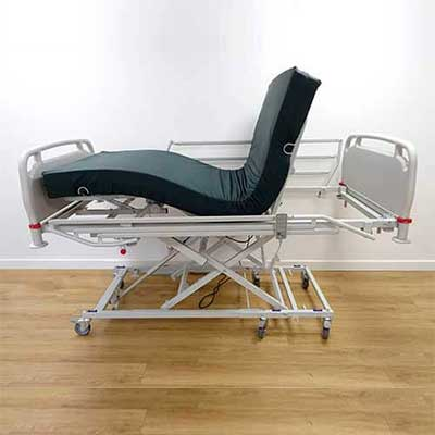 Electrically operated fully profiling bed